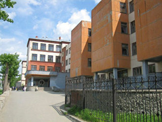 Гимназия №47 в Екатеринбурге. Архивное фото