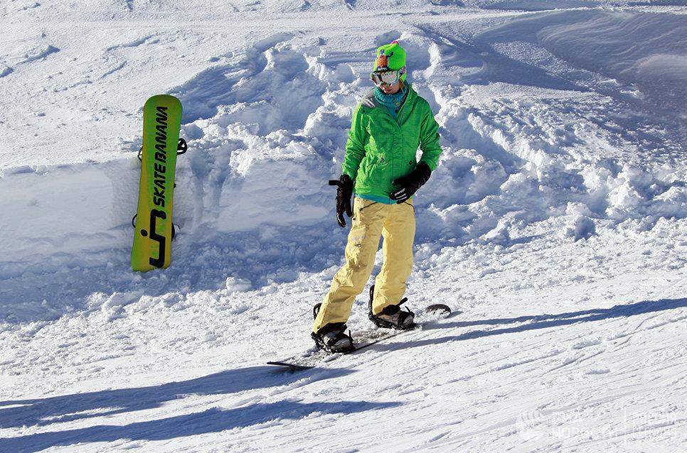 Телеведущая Ксения Собчак на горнолыжном курорте Куршевель.