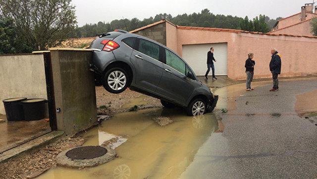 Число погибших при наводнении на юге Франции возросло до семи