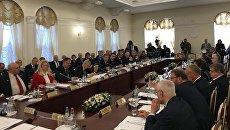 Депутаты Парламентского Собрания Союзного государства на заседании профильных секций в рамках V Форума регионов в Могилеве