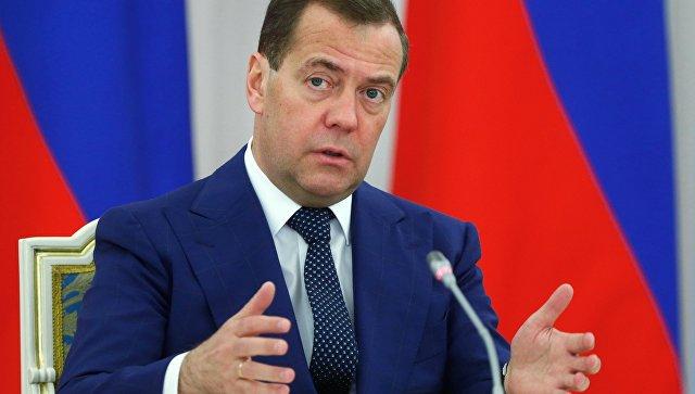 Медведев рассказал о темпах внедрения инноваций в России