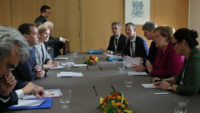 Медведев и Меркель обсудили вопросы экономического сотрудничества