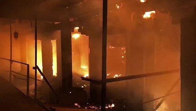 В Саратове росгвардейцы спасли из горящего дома пожилую женщину
