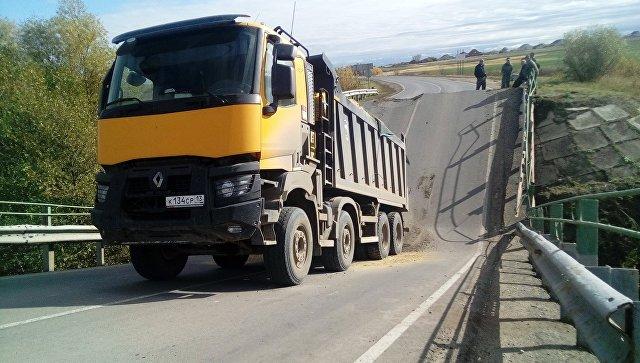 Обрушение автомобильного моста в Мордовии
