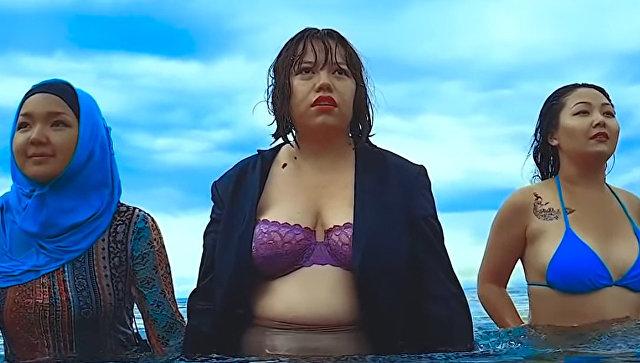 Кадр из клипа Зере Асылбек Кыз