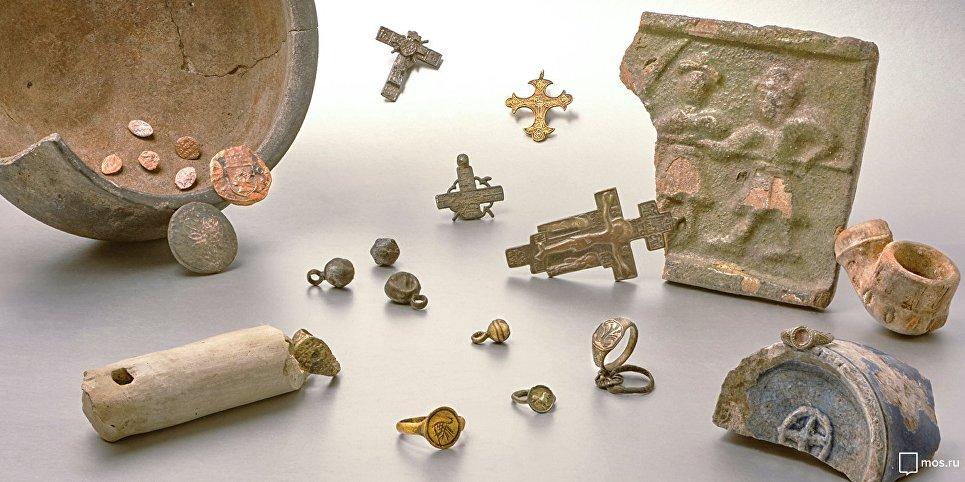 Элементы построек XVII–XVIII веков обнаружили во время строительных работ на Серебрянической набережной. 27 октября 2018