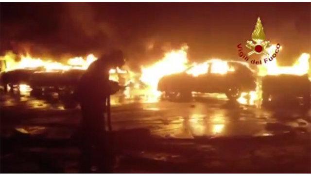 Сотни элитных Мазерати  сгорели водночасье из-за дождя