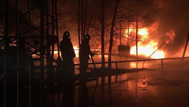 В Югре после пожара не могут найти работника нефтебазы