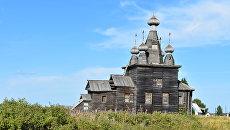 Храм Воскресения Христова (1766 г.) в селе Ракула Холмогорского района Архангельской области