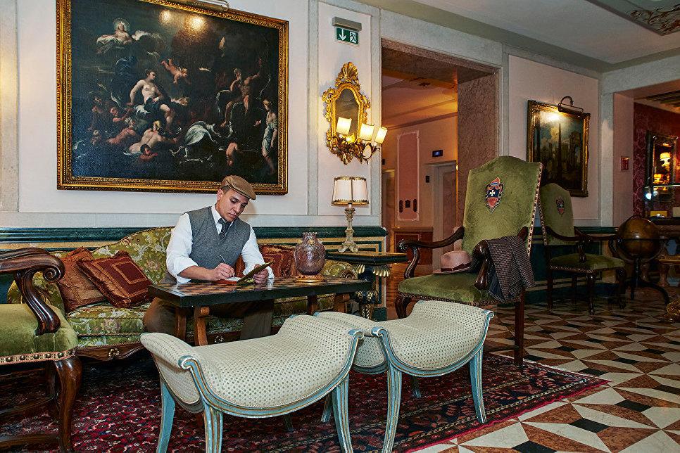 Павел Манылов в отеле «Гритти Палас», Венеция