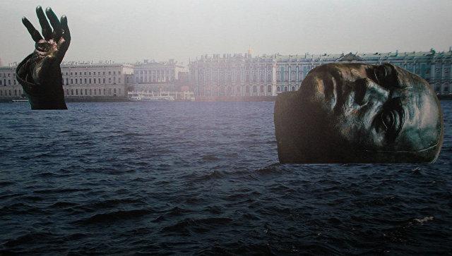 В Петербурге отклонили проект инсталляции с погруженным в Неву Петром I