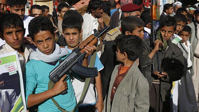 Участники акции протеста против военной операции коалиции во главе с Саудовской Аравией в Йемене. Архивное фото