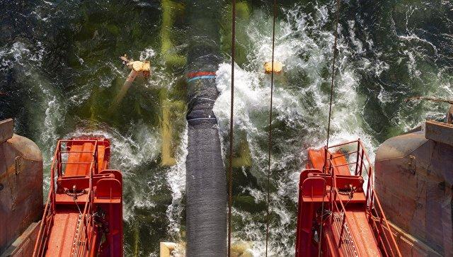 Работы по укладке газопровода Северный поток-2 в Финском заливе. Архивное фото