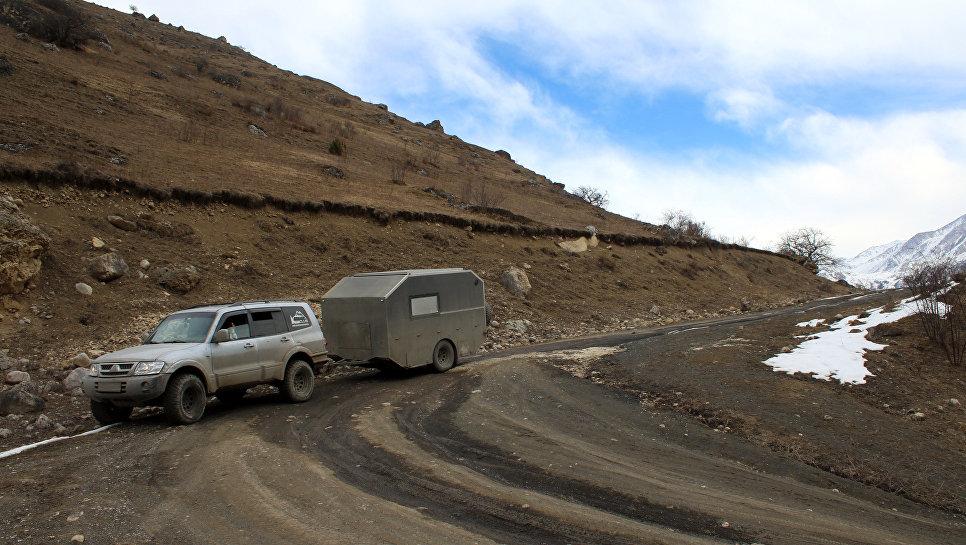 Путешествую по горам в поисках места для лагеря. Карачаево-Черкессия.