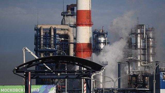 В МЧС заявили о снижении интенсивности пожара на НПЗ в Капотне