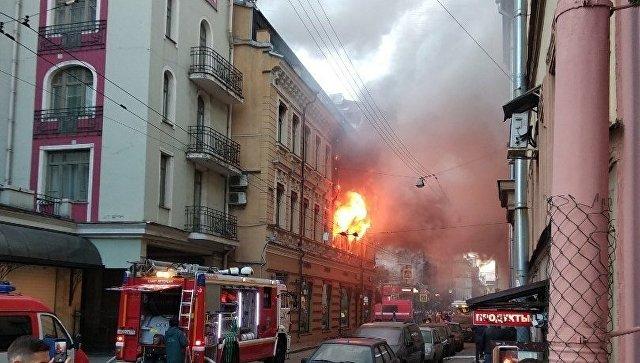 В Петербурге понизили ранг пожара в магазине