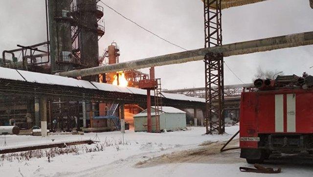 В Башкирии полностью устранили возгорание на заводе