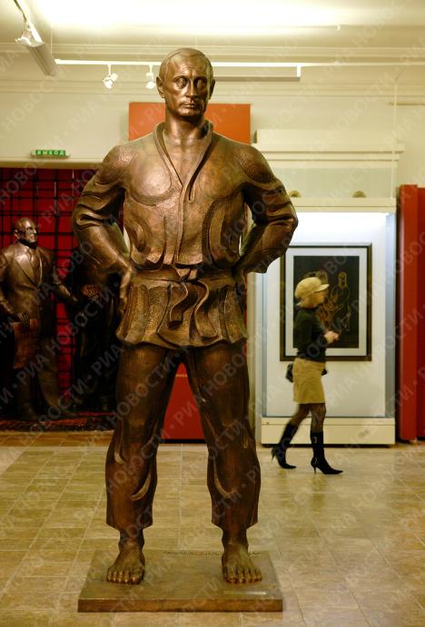 Скульптура В.Путина в галерее Зураба Церетели
