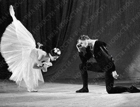 Максимова и Тихонов в балете Адана «Жизель»