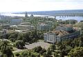 Вид на Пермский театр оперы и балета и на реку Каму