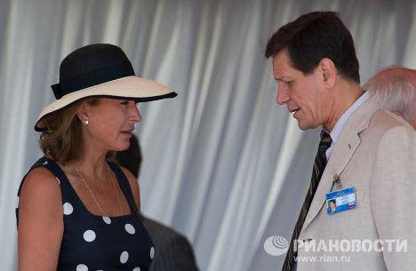 Заместитель председателя правительства РФ Александр Жуков с супругой Екатериной