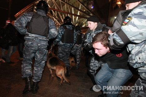 Меры безопасности у Киевского вокзала