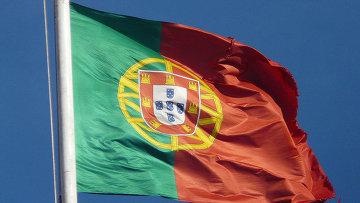 Флаг Португалии, архивное фото