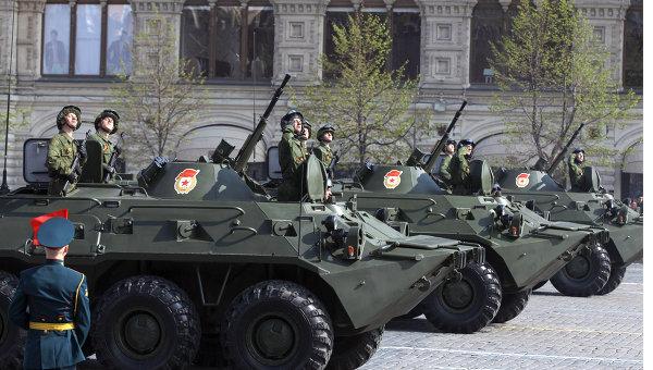 Военная техника на Красной площади. Архив