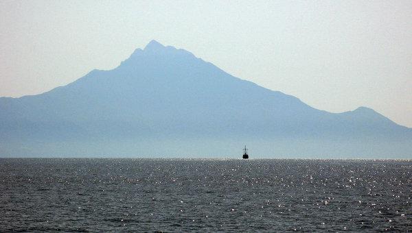 Вид на гору Афон. Архивное фото
