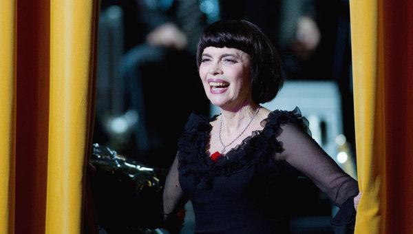 Юбилейный концерт французской певицы Мирей Матье. Архивное фото