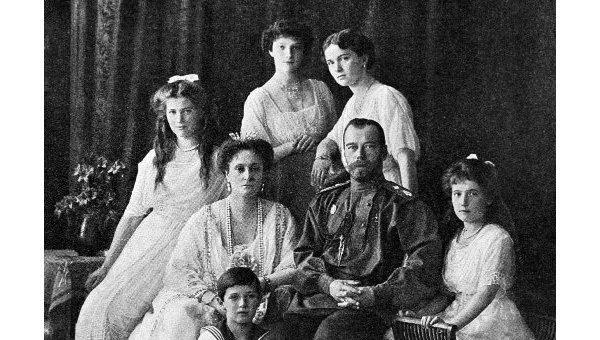 Почему не расстреляли царскую семью