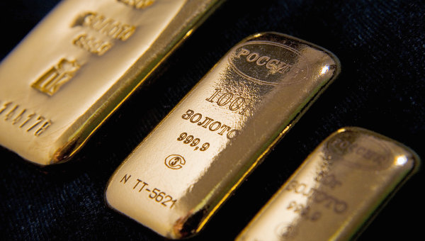 Золотой слиток. Архивное фото