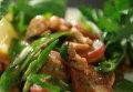 Сытые и стройные / Вегетарианская паста и теплый салат с горохом. Видеорецепт