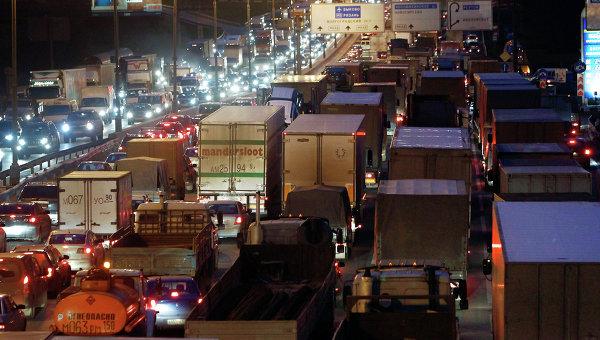 Большегрузный транспорт на улицах Москвы
