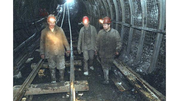 Двое шахтёров оказались под землёй впроцессе обвала вшахте вКузбассе