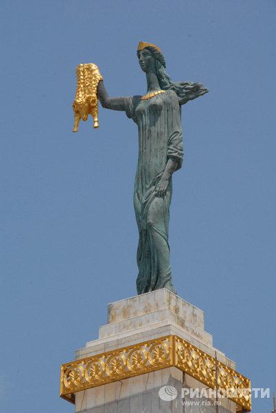 Памятник Медее в Батуми