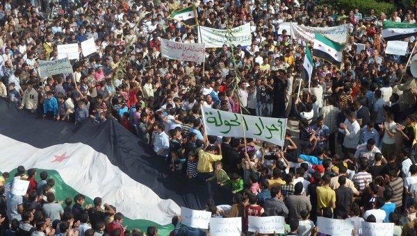 Антиправительственные выступления в Сирии близ города Хомс