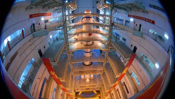 Китайский космический аппарат Шэньчжоу-7. Архивное фото