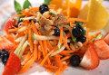 Морковно-яблочный салат для здоровых глаз. Видеорецепт
