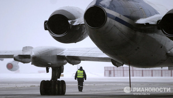 Стоянка самолетов в аэропорту, архивное фото