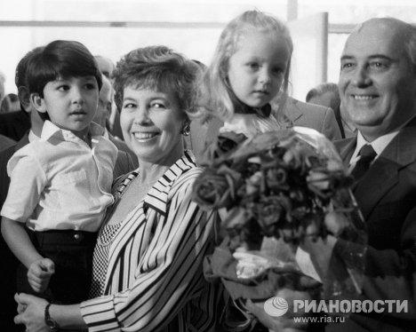 Михаил Горбачев с супругой