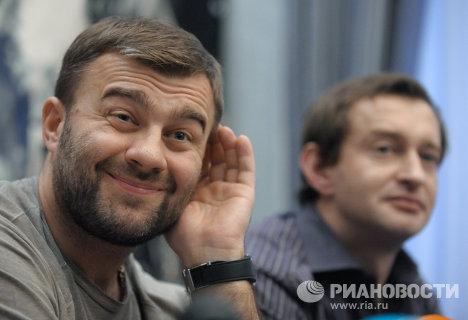 Михаил Пореченков, Константин Хабенский в гостинице Премьер Палас на пресс-конференции в Киеве