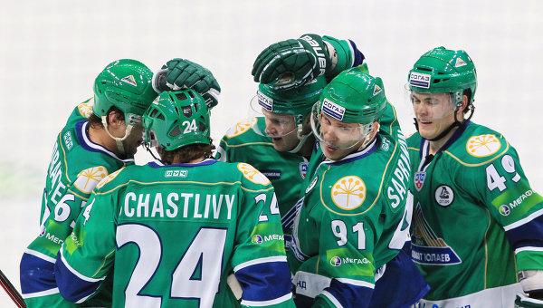Хоккеисты ХК Салават Юлаев. Архивное фото