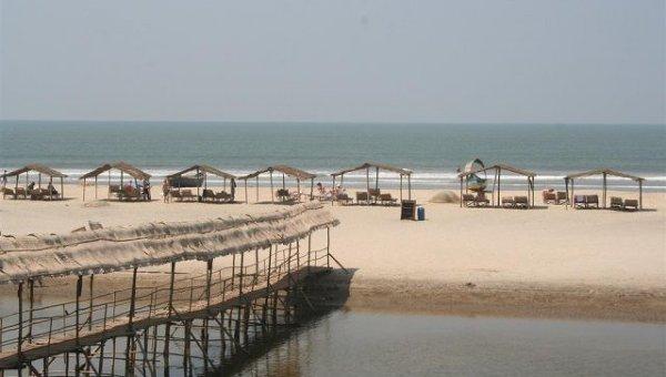 Пустынный пляж в индийском штате Гоа