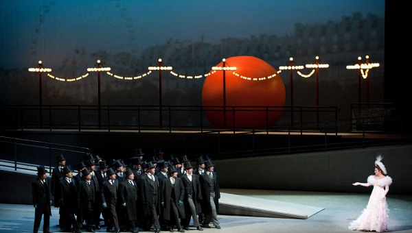 Сцена из оперы Манон. Архивное фото