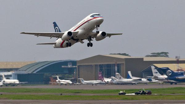 Самолет Superjet-100, пропавший с экранов радаров в Джакарте