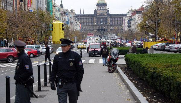 Президент Чехии: граждане имеют право вооружаться из-за угрозы терроризма