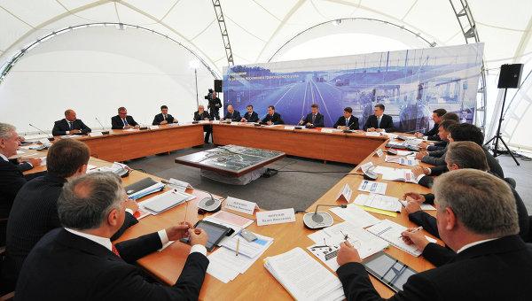 Д.Медведев провел совещание по развитию транспортного комплекса