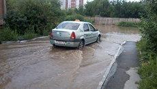 Жилые дома затопило в Бердске после аварии на водопроводе