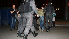 Более десяти человек задержаны в лагере оппозиции на Кудринской площади